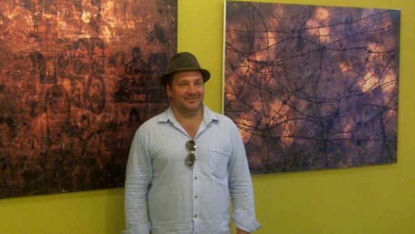 Eine Ausstellung mit Bildern des Künstlers Ramin Hesse ist zur Zeit im Kulturcafé der Alten Schule zu sehen